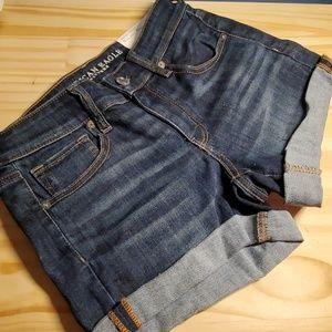 Nwt American Eagle denim shorts size 8